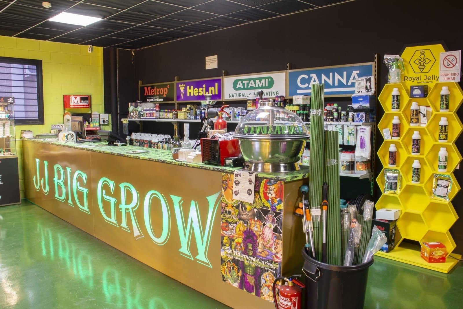 Foto del mostrador y productos de JJ BIG GRW